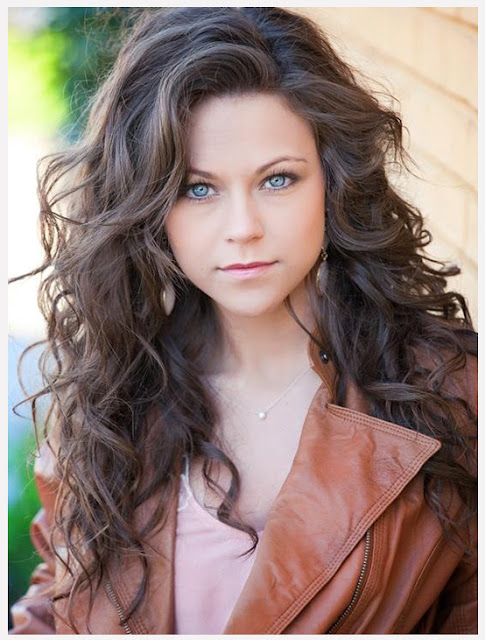 Loose Curls I Best job interview hairstyles ideas for girls