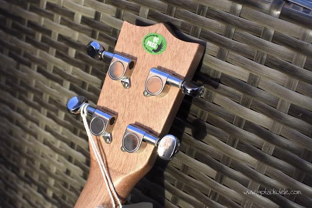 Flight DUS 320 SP/ZEB Soprano ukulele tuners