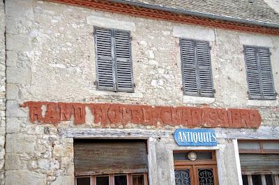 Ancienne Publicité murale d'Auvergne