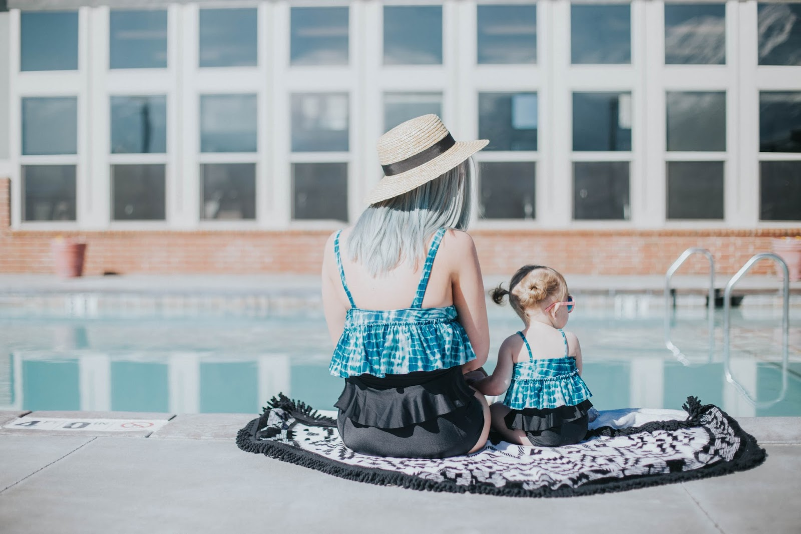 Fashion blogger, mommy and me, Twins