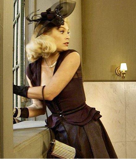 Sandra (Flavia Alessandra) Eta mundo bom, figurino, vestido preto