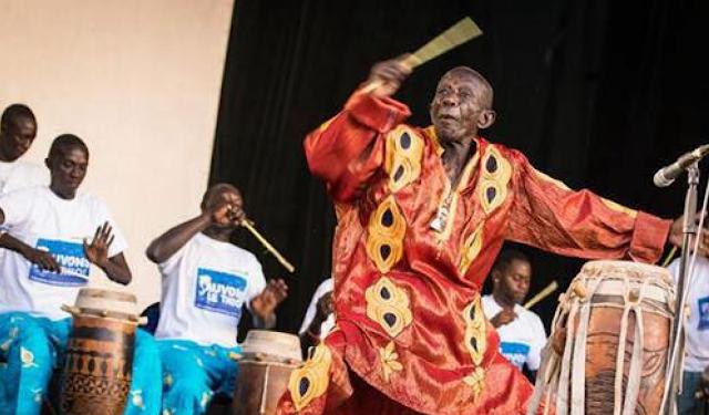 Culture, tradition, Doudou, Ndiaye, Coumba, Rose, tambour, major, artiste, batteur, animateur, Mathématicien, rythmes, maître, sabar, tambour, chanteur, choral, percussions, majorettes, LEUKSENEGAL, Dakar, Sénégal, Afrique