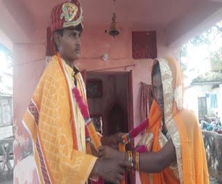 देवर ने थामा अपनी विधवा भाभी का हाथ, महिला थाने में पुलिसकर्मियों की उपस्थिति में रचाई शादी