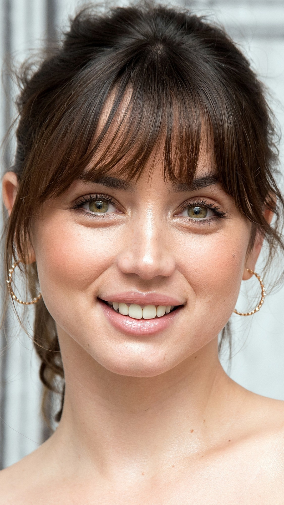 Ana de Armas Mobile Wallpaper