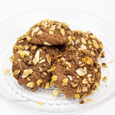 Granola Chocolate Cookies