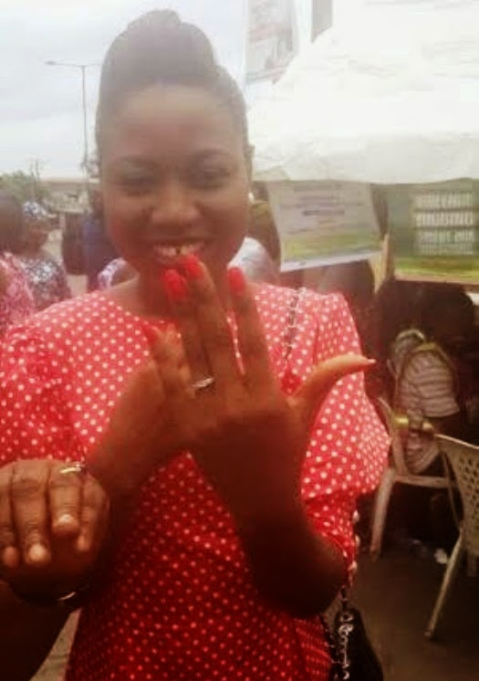 Man Proposes To Girlfriend At Polling Unit