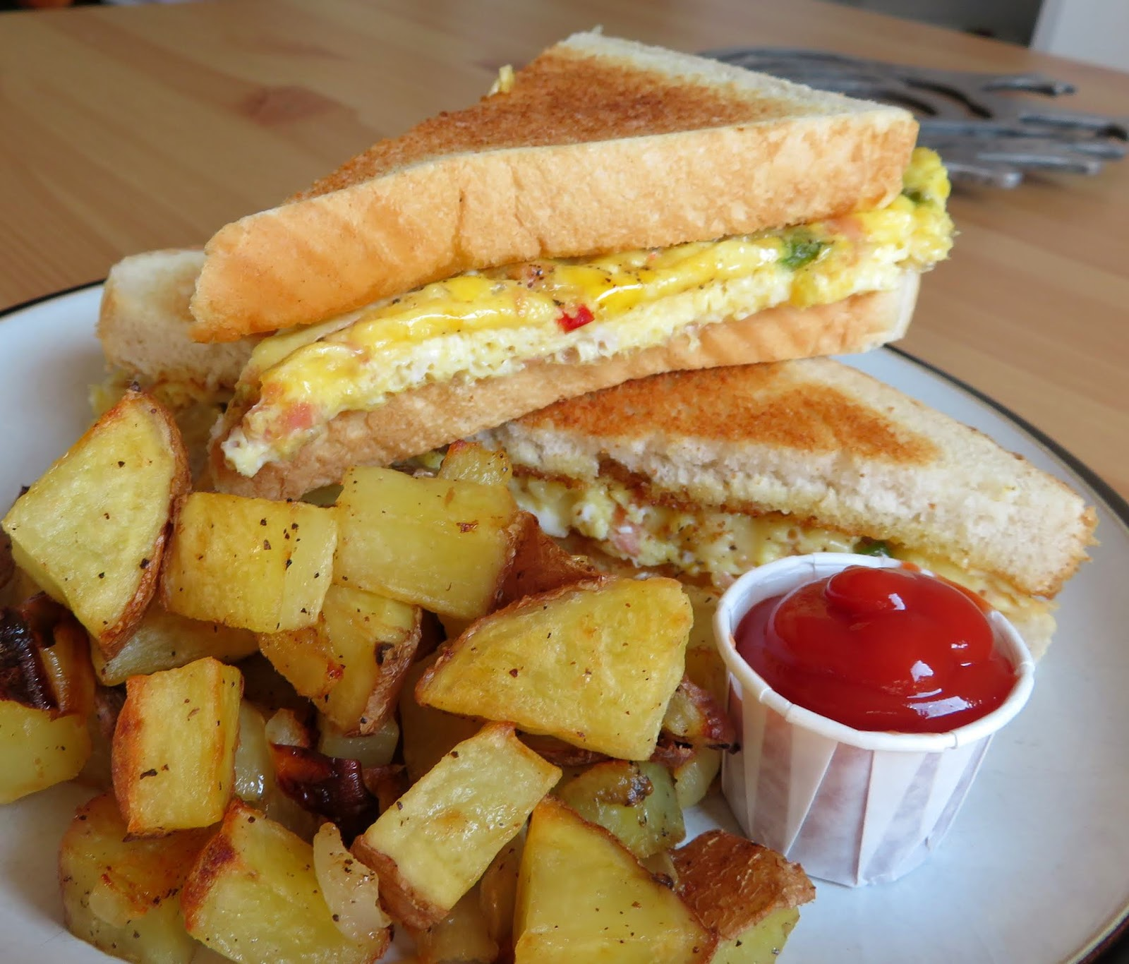 The English Kitchen Baked Western Sandwich With Oven Hash Browns