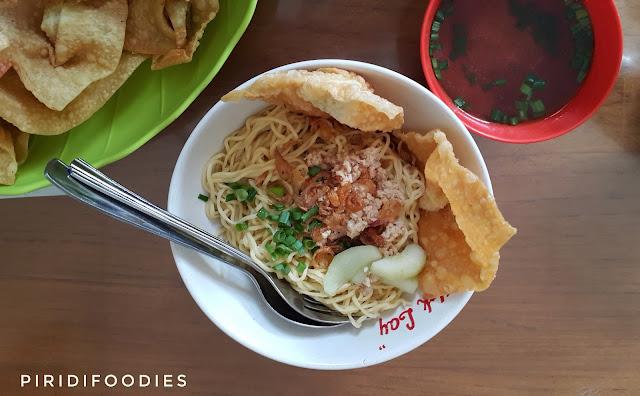 Pangsit Cwiemie - Depot Hok Lay