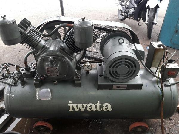 máy nén khí piston Iwata 3.7 kW hơi lên nhanh