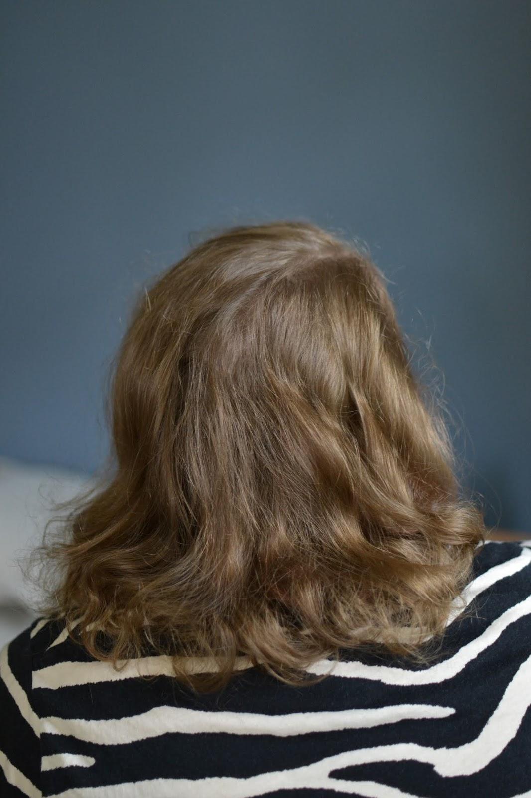 włosy falowane