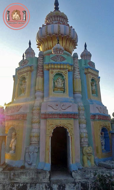 दुर्गाव येथील  'दुर्योधन मंदिर'