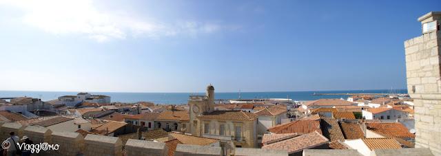 Panorama dal tetto della chiesa di Les Saintes Maries de la Mer