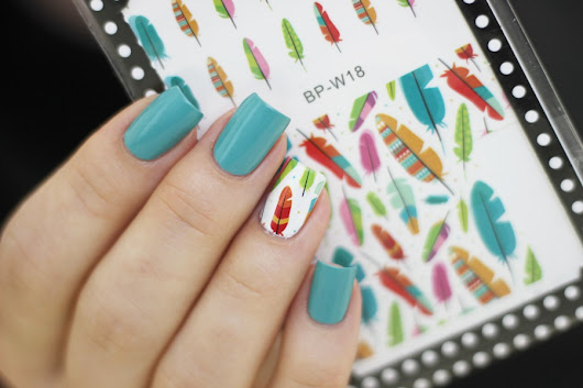 Colorful Feather nail art