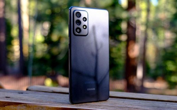 Best Smartphones Around 300 Dollars