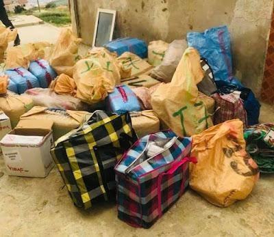 """بالصور..أمن طنجة يحجز شحنة من المخدرات يبلغ وزنها الإجمالي 863 كلغ من مخدر """"الحشيش"""""""