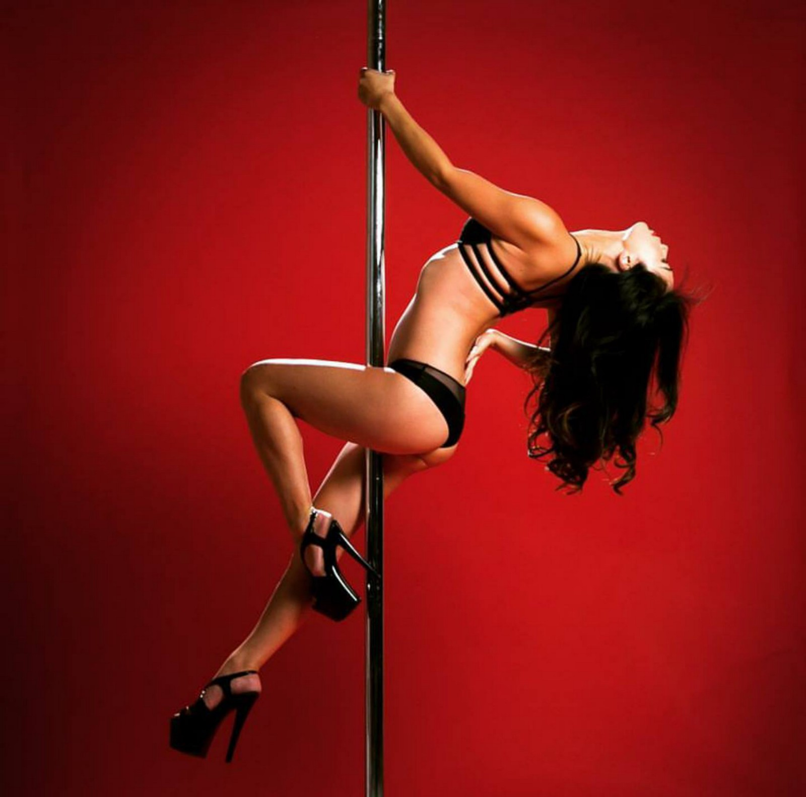 Strippers reveal their favorite songs to strip to