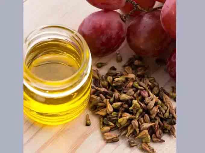 बाल उगाने का आयुर्वेदिक अंगूर के बीज का तेल