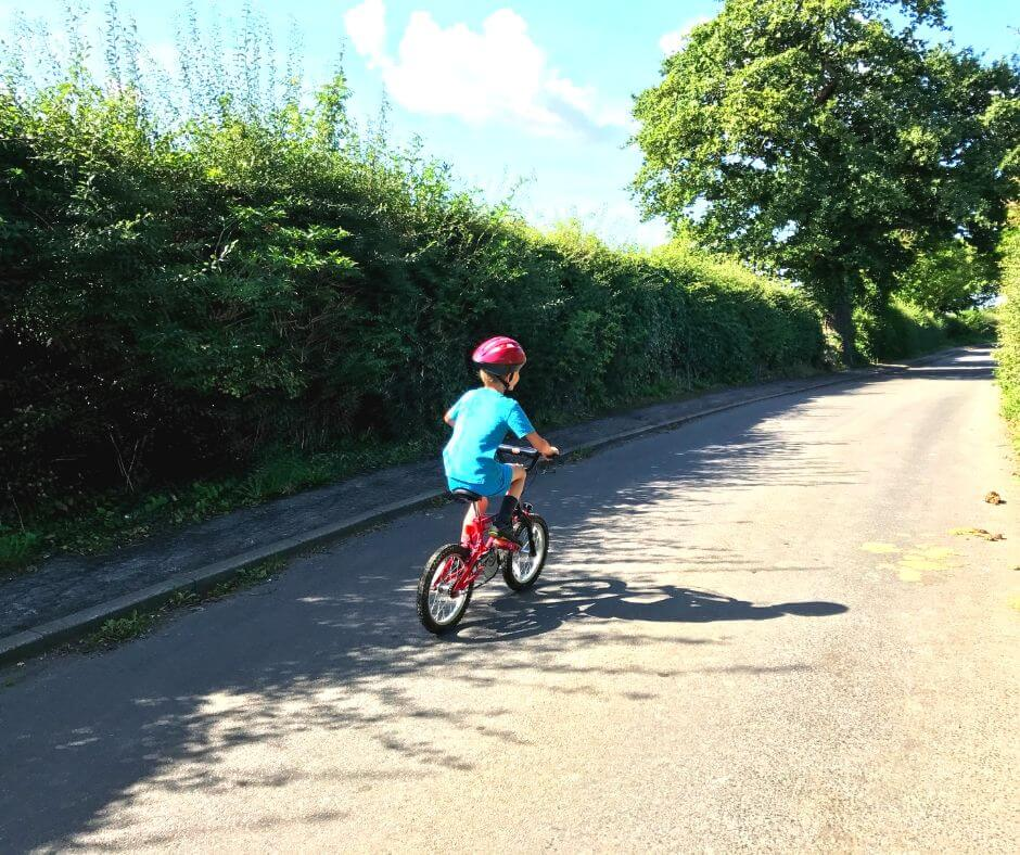 9 Simple Ways To Enjoy Summer Days With Your Kids | Riding bikes is fun!
