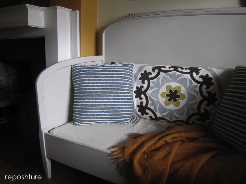 Reposhture Studio My Frenchy Bench