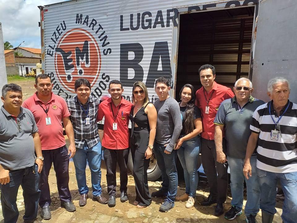 84f302dab2 Prefeitura recebe doação de alimentos do Elizeu Martins para famílias  afetadas pela chuva