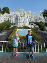 Disneyland Travel Tips Building Story