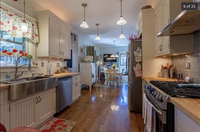 color photo of kitchen Sears Kilbourne 201 Iola Street Glenshaw Pennsylvania