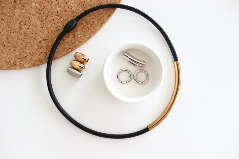 Lederschmuck aus Lederbändern selber machen, cleanen minimalistischen Schmuck à la COS selbst herstellen, DIY mit Step by Step Anleitung auf dem Südtiroler Food- und Lifestyleblog kebo homing