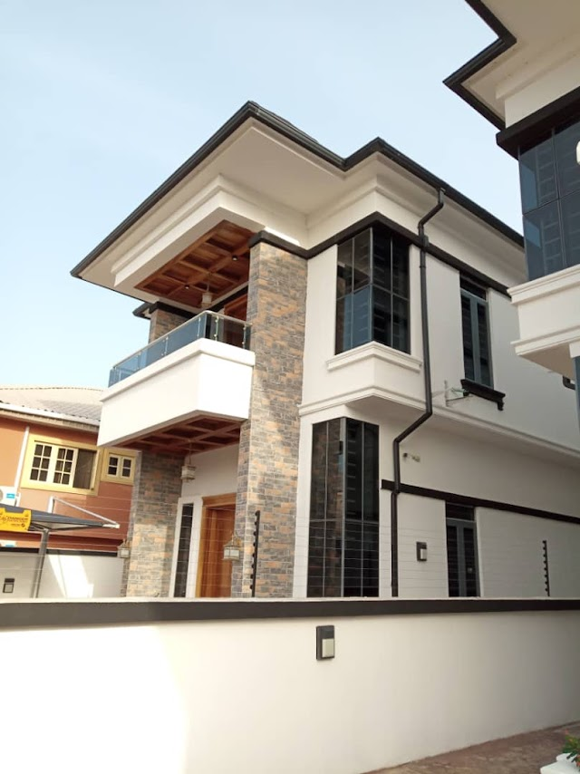 Still Selling at Chevron Drive lekki: 5Bedroom fully detached Duplex with BQ