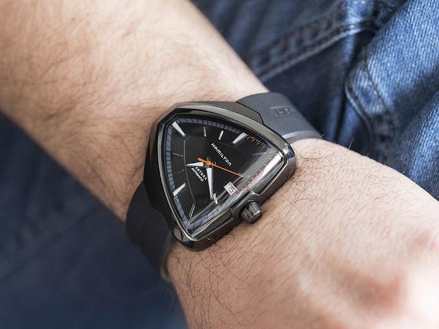 Đồng hồ Hamilton Ventura món qùa thay lời muốn nói