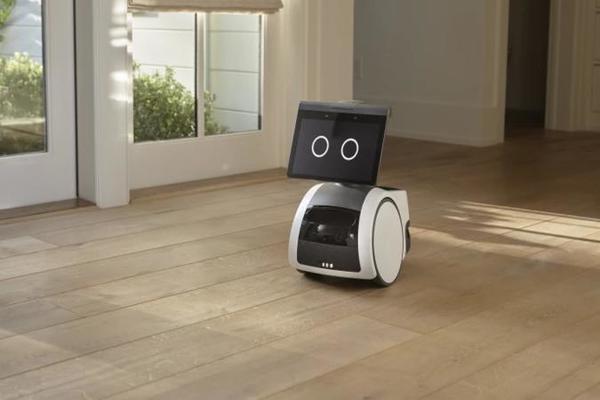 بالصور والفيديو: أمازون تكشف عن روبوتها المنزلي Astro