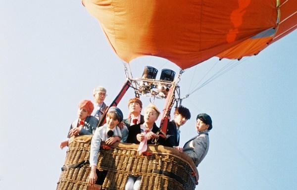 Naik Balon Udara, Jin BTS Ungkap Anggota yang Paling Ketakutan