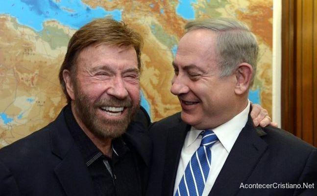 Chuck Norris con Natanyahu en Israel