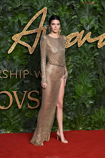Kendall Jenner Slim  Goes  At British Fashin Show 2018 WOW     small  slim figure CEleBrity.co Exclusive 013