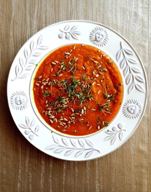 zupa krem z pomidorów, krem z dyni, zupa krem,prosta zupa krem,z kuchni do kuchni blog kulinarny, najlepszy blog kulinarny,szybka zupa,zupa z kilku składników