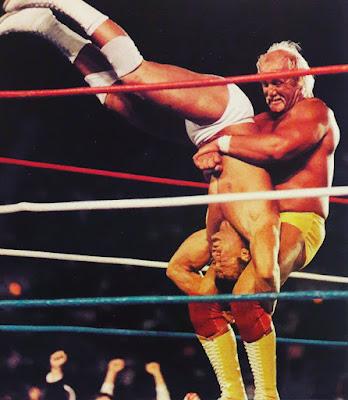 Hulk Hogan dengan aksi Piledriver