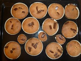Briose pentru copii (muffins cu ciocolata neagra)