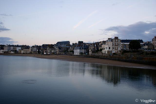Vista panoramica sulla Spiaggia di Bas Sablon di Saint Malo