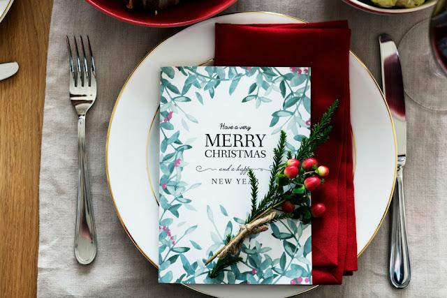 Γιορτινό μενού με νόστιμες συνταγές αλλά και ιδέες για όλες τις λεπτομέρειες που θα κάνουν το τραπέζι σου ξεχωριστό και μοναδικό
