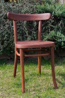 jak odnowić drewniane krzesło
