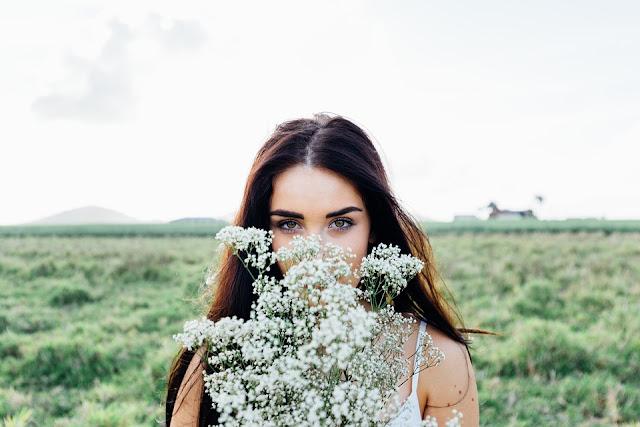 50 Brilliant Flower Blog Names