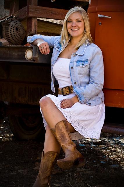Cowgirl fashion look