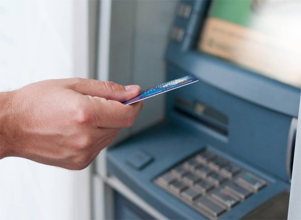 Jangan Panik! Tarik Uang di ATM Tetapi Uang Tidak Keluar dan Saldo Rekening sudah Terpotong