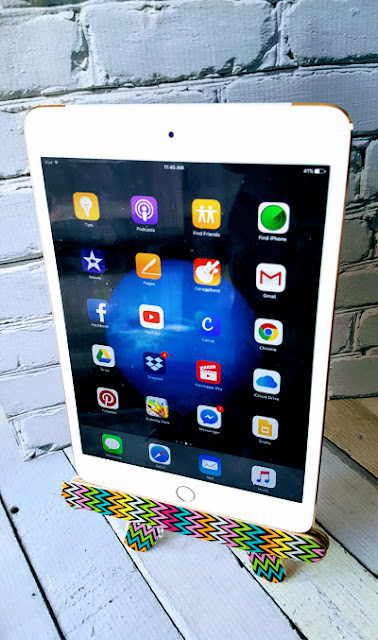 Easy DIY iPad stand