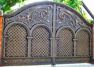 pagar rumah bergaya klasik