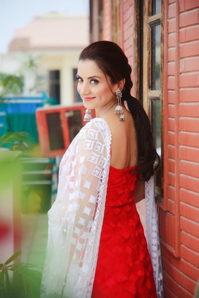 Kulraj Randhawa Film Actress HD Pictures, Wallpapers - Whatsapp Images