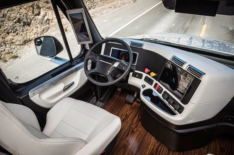 Freightliner Inspiration Truck – the first licensed