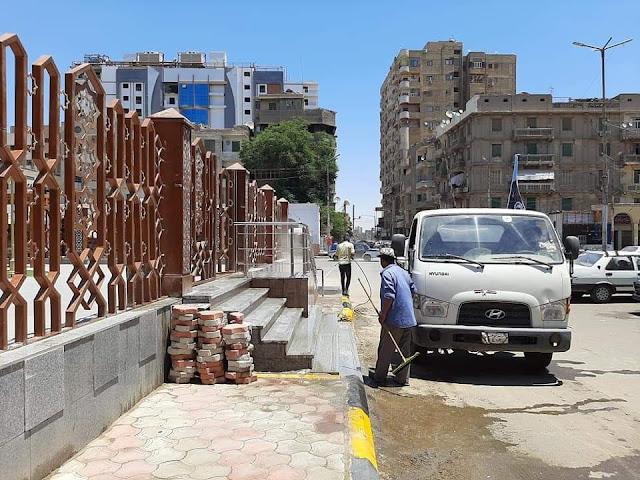 رفع مستوي النظافة وتقليم الأشجار بميدان العارف وشارع المحطة