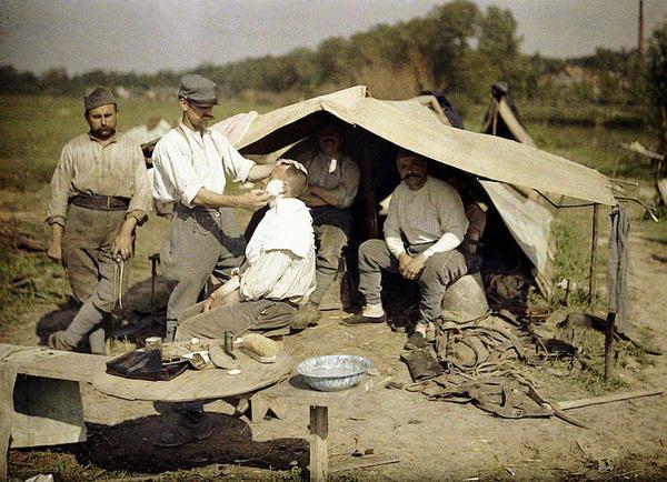 Foto-Foto Kuno Berwarna Yang Diambil Pada Masa Perang Dunia Ke-II