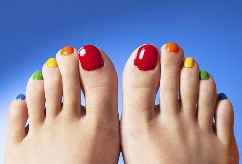 Αυτό το καλοκαίρι φρόντισε τα νύχια σου με τον καλύτερο δυνατό τρόπο!