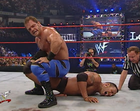 WWE / WWF - Fully Loaded 2000 -  Krispin Wah puts The Rock in a sharpshooter